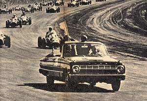 Falcon de Ilia haciendo de Pace-Car.